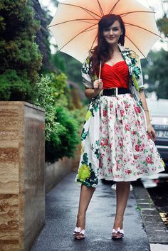 Florals My Kind Of Love, Carrie Bradshaw, Go Shopping, Fashion Bloggers, Spring Outfits, Corset, Florals, Style Me, High Waisted Skirt