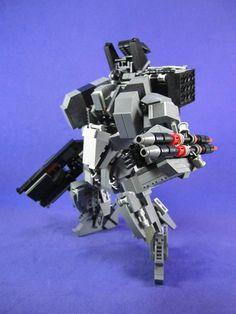 """Après le superbe """"LEGO Evangelion – Un EVA-01 de 1m20 de haut"""", voici les créations de Lu Sim, aka Messymaru, qui réalise d'excellents robots et méchas"""