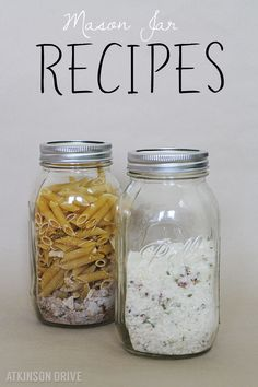 Mason Jar Soup Recipes for Fall by Atkinson Drive /// Texas Two-Step Soup & Easy Loaded Baked Potato Soup /// Homemade Dry Mixes, Homemade Soup, Mason Jar Mixes, Mason Jars, Dry Soup Mix, Soup Mixes, Fruits Déshydratés, Canning Soup Recipes, Food Gifts