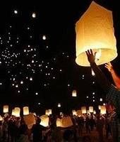 floating wish lanters. you can order these online! definitely want to try this out now, and i am soooo having these at my wedding!!!!!