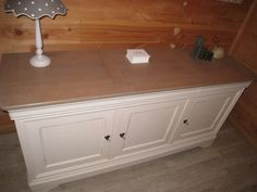 Buffet Louis Philippe relooké (dessus huilé) Deco Buffet, Ms Project, Recycled Furniture, Sweet Home, Sink, Shabby, Woodworking, Cabinet, Storage