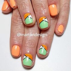 @martandesign created this two-toned Spring/Summer look with Mint Chip and Mango Mousse #progel polish. This mani sounds more like a delicious treat.  #supernail #supernailprofessional #progel #mintchip #mangomousse #manicure
