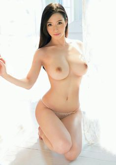 Model nude naked indo