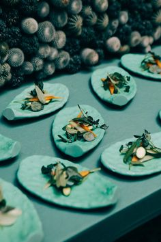 The charming Argentinian-French chef, Pepi de Boissieu runs a creative studio in Barcelona in which food is her central axis. She uses design and art to create made-to-measure projects + installations Food Art, A Food, Amazing Food Photography, Food Concept, Ceramic Tableware, Color Stories, Food Design, No Cook Meals, Installation Art