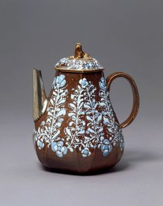 Teapot The Ellers Brothers, England, 1690-1700 The Victoria & Albert Museum
