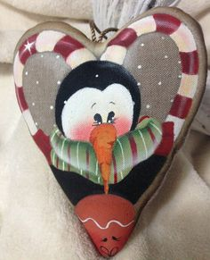 Christmas Heart by NonSoloColori on Etsy Penguin Ornaments, Santa Ornaments, Holiday Ornaments, Christmas Hearts, Simple Christmas, Easy Christmas Decorations, Holiday Decor, Tole Painting, Craft Sale