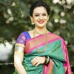 Mirror of the witch / princess So Ri / korean hanbok Maharashtrian Saree, Marathi Saree, Marathi Bride, Marathi Wedding, Beautiful Saree, Beautiful Indian Actress, Saree Jewellery, Saree Photoshoot, Bridal Photoshoot