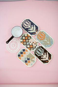 Blog | Karen Barbé | Textileria: New colours! Embroidered potholders