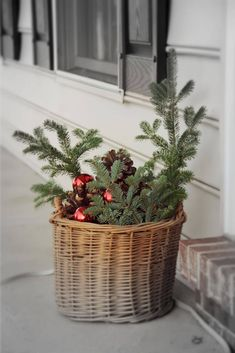 5 Easy and Cheap DIY Christmas Decorating Ideas - No Plate Home Decor Ideas Bedroom Kids, Home Decoration Diy, Home Decoration Products, Home Decoration Diy Ideas, Home Decoration Design, Home Decoration Cheap, Home Decoration With Wood, Home Decoration Ideas. #decorationideas #decorationdesign #homedecor Christmas Diy, Christmas Decorations, Holiday Decor, Christmas 2017, Seasonal Decor, Diy Home Decor For Apartments, Diy Home Decor Easy, Diy Weihnachten, Diy Clay