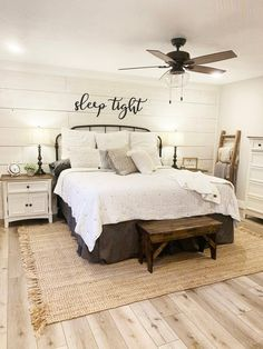 Home, Bedroom Inspirations, Home Bedroom, Bedroom Makeover, Farmhouse Style Master Bedroom, Bedroom Design, Guest Bedrooms, Master Bedrooms Decor, Remodel Bedroom