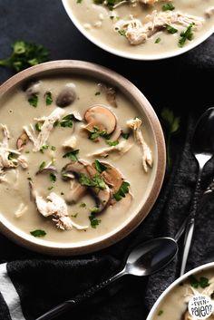Chicken and Mushroom Soup Vegan Mushroom Soup, Mushroom Soup Recipes, Tomato Soup Recipes, Mushroom Chicken, Grilling Recipes, Seafood Recipes, Beef Recipes, Vegetarian Recipes
