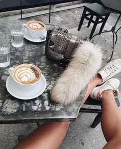 Watch live girls for free @ Freebestcams . Need Coffee, Coffee Break, Coffee Time, Disney Instagram, Instagram Girls, Boho Fashion Indie, 90s Fashion, Jugo Natural, Live Girls