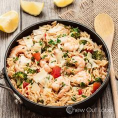 One Pot Lemon Orzo with Shrimp. One Pot Lemon Orzo with Shrimp. Just 1 pot and 30 minutes is all you need. Lemon Basil Chicken, Lemon Orzo, Seafood Recipes, Cooking Recipes, Healthy Recipes, Orzo Recipes, Chicken Linguine, Cheese Sauce For Pasta, One Pot Meals