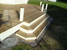 altan trapp - Sök på Google Tree Deck, Types Of Stairs, Timber Roof, Deck Steps, Floating Deck, Wood Stairs, Remodeling Mobile Homes, Decks And Porches, Building A Deck