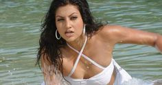 Item girl Hamsa Nandini dating biker - Teluguabroad