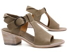 A little retro, a lot modern, the Pep Monjo Louisa (748) is a fantastic way to walk through warm weather! xo, Ped Shoes.