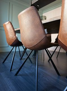 Eetkamerstoel Point - Goossens wonen & slapen (RTL woonmagazine - Voorjaar 2016 - aflevering 2) Happy New Home, Industrial Chair, Metal Chairs, Dining Table Chairs, Chair And Ottoman, Folding Chair, Modern Chairs, Home Living Room, Interior Inspiration