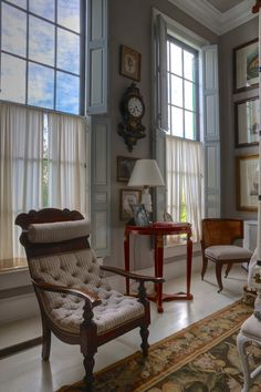 This photo hosted by SmugMug; your photos look better here. Condo Living Room, Living Room Chairs, Living Rooms, Half Curtains, Rich Home, Classic Living Room, Traditional Interior, Cottage Design, Beautiful Interiors