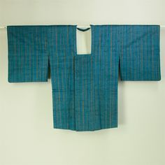 Indigo blue, tsumugi michiyuki coat / 気軽なお出掛けに 薄藍地 ランダムな縞柄 紬道行   #Kimono #Japan  http://www.rakuten.co.jp/aiyama/