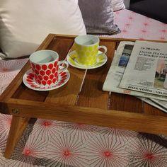 Nyhet på Habitat Överraska med frukost på sängen imorgon! Espressokopp Tutti, röd eller gul, säljs i pack om 4st, 250kr. Tiffany frukostbricka från 259kr. #habitatsverige #nyhetpåhabitat #favoritpåhabitat