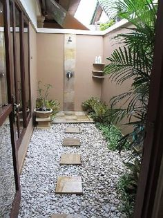Outdoor Bathrooms 658018195543215964 - Bedroom 1 outdoor shower Source by natachaavaby Outdoor Pool Shower, Jacuzzi Outdoor, Outdoor Baths, Outdoor Bathrooms, Indoor Outdoor Living, Dream Bathrooms, Outdoor Spaces, Patio Chico, Garden Shower