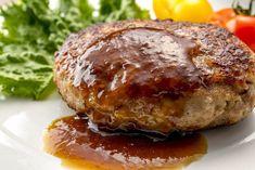 ハンバーグの決め手はソースですよね。家にある材料で簡単に作れる絶品ハンバーグソースをご紹介します。 Meatloaf, Salmon Burgers, Baked Potato, Food Porn, Pork, Food And Drink, Menu, Cooking Recipes, Nutrition