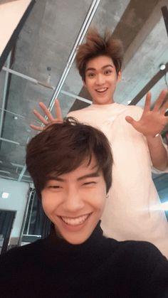 [GIF] Wei & Gyujin
