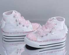Infant Custom Crystal Bling Converse Single Row Crystals - Kids and Parenting Baby Converse, Bling Converse, Bling Shoes, Converse Girls, Cute Baby Shoes, Baby Girl Shoes, White Shoes For Girls, Girls Shoes, Baby Outfits