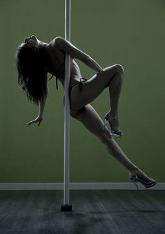 Armpit Hold pole pose.. this requires more strength than it looks. Plus leaves one hell of a bruise on your tit.