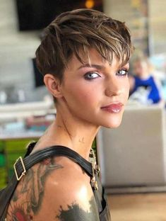 The Most Beautiful Pixie Hairstyles for Short Hair 2019 Page 9 of 30 Fashion Pixie Haircut For Thick Hair Beautiful Fashion Hair hairstyles Page Pixie short Pixie Haircut For Thick Hair, Short Hairstyles For Thick Hair, Short Brown Hair, Short Pixie Haircuts, Short Blonde, Pixie Hairstyles, Short Hair Cuts, Curly Hair Styles, Brown Pixie Hair