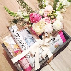 gift box: galentine, bday, mother day...