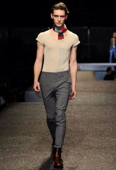 MILANO MODA UOMO | AUTUNNO INVERNO 2014 2015 | PRADA   ---   L'intéressant chez L'Homme Prada cette saison était .. La Femme ..