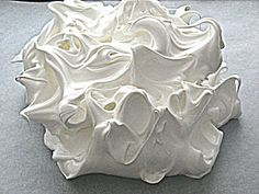 Vintage Movement: Simple Pavalova Recipe - Egg White Meringue Made Easy