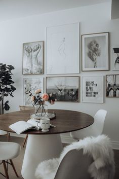 Dining room update with Desenio - Flaunt and Center Dining Room Decor Dining Room Art, Living Room Furniture, Interior Design Inspiration, Home Interior Design, West Elm, Ideas Para Organizar, Scandinavian Interior, Furniture Design, Modern Furniture