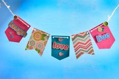 How to make pennants for scrapbook - Baby Scrapbook, Scrapbook Paper, Scrapbooking, Diy And Crafts, Crafts For Kids, Paper Crafts, Birthday Traditions, Chocolate Bouquet, Baby Blog
