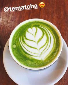 Un #MatchaLatte nos comparte @flaa_cv disfrutando este día feriado  Invitamos a todos nuestros #MatchaLovers a compartir su momento con @tematcha  Compras con envío a todo Chile en http://ift.tt/2jo8tPb -------------- #matcha #té #Lunes #antioxidantes #polvo #verde #japón #chile #ventas #matchachile