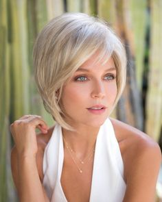 Shop our online store for blonde hair wigs for women.Blonde Wigs Lace Frontal Hair Shoulder Length Blonde Wig From Our Wigs Shops,Buy The Wig Now With Big Discount. Bob Style Haircuts, Short Blonde Haircuts, Short Hair Cuts, Short Hair Styles, Pixie Cuts, Short Straight Hair, Thin Hair, Frontal Hairstyles, Bob Hairstyles