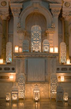 ☀ sinos e luzes - Moroccan style white lanterns for a ceremony Moroccan Design, Moroccan Decor, Moroccan Style, Turkish Style, White Lanterns, Candle Lanterns, Hanging Lanterns, Art Marocain, Wedding Lanterns