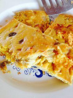 Tra le pietanze preferite da tutta la famiglia, spicca la cecina, anche chiamata frittata felice, una ricetta vegan, priva di uova, perfetta per i bambini. La cecina e' un piatto tipico della Tosca...