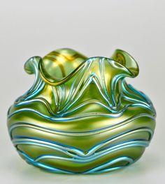 Loetz    Formosa iridescent glass vase - 1902.