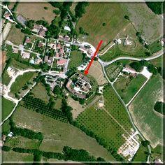 Larressingle n'a pas le prestige ni la grandeur de Carcassonne. Pourtant elle est le reflet des centaines de cités fortifiées médiévales des provinces Françaises. De plus, elle comporte une église dont l'architecture est unique... Un voyage en pays Gersois est une obligation !