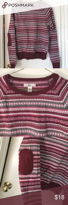 Bass red sweater Never been worn. Warm sweater with elbow pads Bass Sweaters