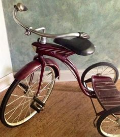 1930s trike in immaculate condition with original paint...sweet. Dakota Holmes collection