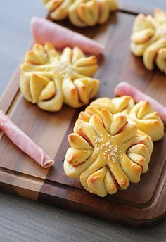 Four-Leaf Clover Buns (Recipe in Serbian with step by step pictures, translator on the sidebar)