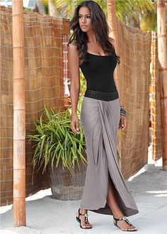 Waistband detail maxi skirt On or off the beach you will look and feel effortlessly chic! Venus braided waistband maxi paired with embellished stretch sandal and hammered metal necklace.Embellished Waistband Maxi from VENUS women's swimwear and sexy cloth Mode Hippie, Mode Boho, Mode Outfits, Sexy Outfits, Casual Outfits, Casual Jeans, Look Fashion, Womens Fashion, Fashion Tips