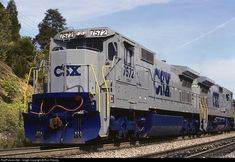 Classic CSX GE C40-8's at Big Cut, Virginia Locomotive Engine, Electric Locomotive, Diesel Locomotive, Csx Transportation, Railroad Pictures, Rapid Transit, Ho Scale Trains, Norfolk Southern, Railroad Photography