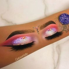 Her arm work is better than some face work �� so very talented ���� tag a MUA in the comments ❤️(and I edit all my photos to go with my theme ��) #makeup #beauty #beautiful #pink #eyebrows #eyeliner #nails #nailart #fashion #eyeshadow #lashes #queen #lit #fun #glam #queen #eyelashes #love #fit #fitness #goals #fitgoals #art #artwork  #melanin #curls #curlyhair #lipstick http://www.butimag.com/fashion/post/1479201871847459030_4359899670/?code=BSHLkPqj4jW