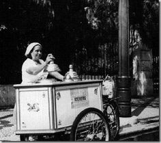 O Gelado em Portugal Antique Photos, Vintage Photos, Old Pictures, Old Photos, Nostalgia, Lisbon Portugal, Old Postcards, Retro Futurism, Historical Photos
