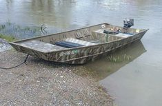 When choosing duck hunting Jon boats or any type of boat, take into consideration the number of people you will normally take along with you. Plywood Boat Plans, Wooden Boat Plans, Wooden Boats, Duck Hunting Boat, Duck Boat, Kayak Fishing, Fishing Boats, Duck Blind Plans, John Boats