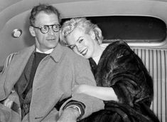 Smiling happily, Marilyn Monroe cuddles on husband Arthur Miller in their car at Idlewild Airport after arriving from Kingston, Jamaica. (Jack Clarity/New York Daily News) Marilyn Monroe Birthday, Joe Dimaggio, Diane Keaton, New York Daily News, Marilyn Monroe Photos, Norma Jeane, Gisele, Rare Photos, Vintage Photos